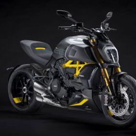 Ducati_Diavel_1260S_Black_and_Steel_2022_03