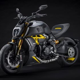 Ducati_Diavel_1260S_Black_and_Steel_2022_05